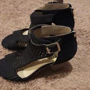 Vince camuto beautiful high heel sandals
